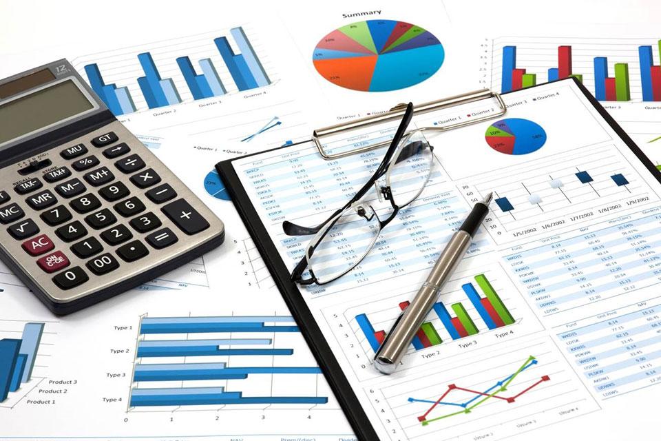 Mana Lebih Penting: Analisa atau Siapkan Laporan Kewangan